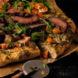 PESTO STEAK & ARUGULA PIZZA